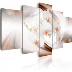 Obraz Śnieżnobiała orchidea w abstrakcji