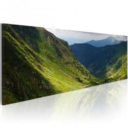 Obraz W dolinie góry