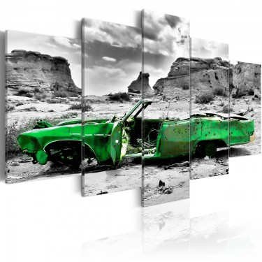 Obraz  Zielony samochód w stylu retro na Pustyni Kolorado
