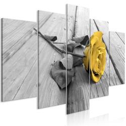 Obraz  Róża na drewnie (5częściowy) szeroki żółty